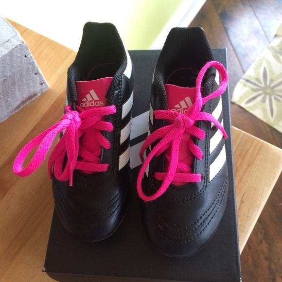 le adidas ragazzine gli scarpini da calcio poshmark